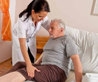 5 Ways Nurses Can Support New CNA's in Long-Term Care