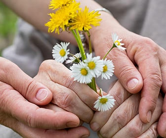 Practical Nursing Strategies for Connecting with Dementia Patients